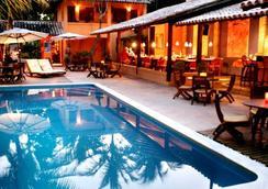 Hotel Pousada Coqueiros - Arraial d'Ajuda - 游泳池