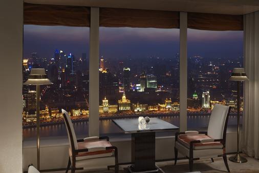 上海浦東麗思卡爾頓酒店 - 上海 - 阳台