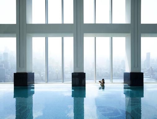 上海浦东丽思卡尔顿酒店 - 上海 - 游泳池