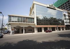 华美达酒店 - 瓜亚基尔 - 建筑