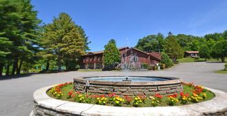 洛林布鲁克牧场度假酒店及会议中心 - 乔治湖 - 建筑