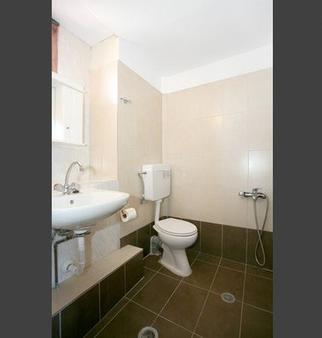 莫非斯鸟巢酒店 - 哈尼亚 - 浴室