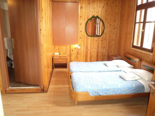 莫非斯鸟巢酒店 - 哈尼亚 - 睡房