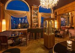 蒙大拿顶楼艺术装饰酒店 - 卢塞恩 - 酒吧