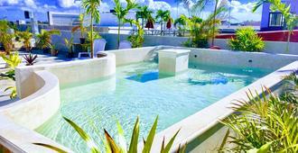 伊泽斯拉体验青年旅舍 - 卡门海滩 - 游泳池