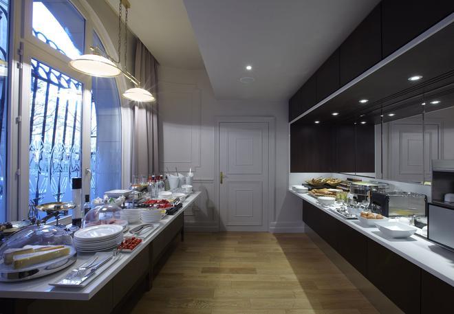 巴黎卢浮宫馨乐庭酒店 - 巴黎 - 自助餐