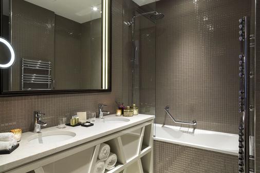 巴黎凯旋门雅诗阁服务公寓酒店 - 巴黎 - 浴室
