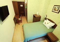 兹拉托乌斯特酒店 - 圣彼德堡 - 睡房
