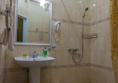 兹拉托乌斯特酒店 - 圣彼德堡 - 浴室