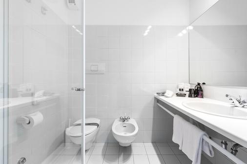 桑托尼自在主义酒店 - 托尔博莱 - 浴室