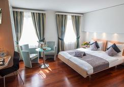 克朗尤特斯特拉斯酒店 - 苏黎世 - 睡房