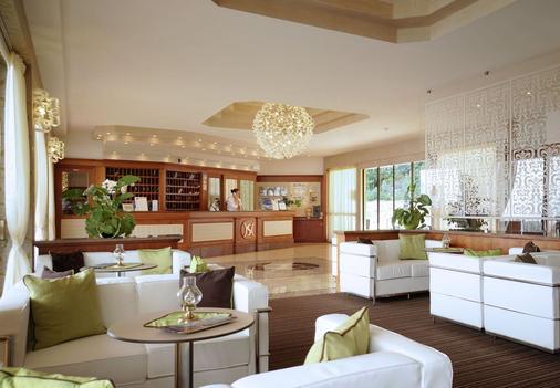 富丽堂皇的宫殿酒店 - Limone sul Garda - 柜台