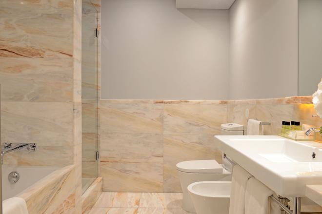 佩斯塔纳复古波尔图酒店-世界传承酒店 - 波尔图 - 浴室