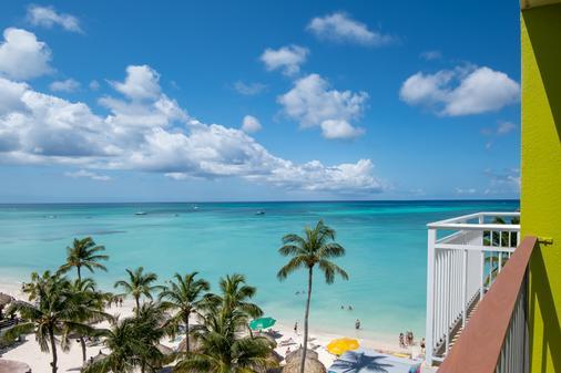 阿鲁巴假日酒店 - 海滩度假村及赌场 - 棕榈滩 - 阳台