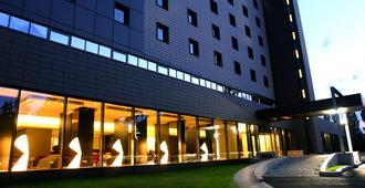 布加勒斯特华美达广场酒店及会议中心 - 布加勒斯特