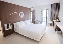 C2酒店 - 马赛 - 睡房