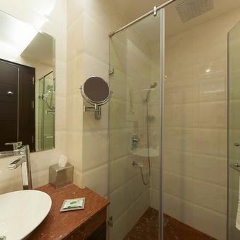 谦虚酒店 - 阿姆利则 - 浴室