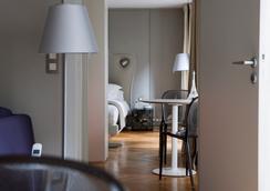 内尔套房酒店 - 贝斯特韦斯特顶级系列 - 巴黎 - 睡房