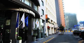 布鲁塞尔伯莱蒙特西尔肯酒店 - 布鲁塞尔 - 建筑