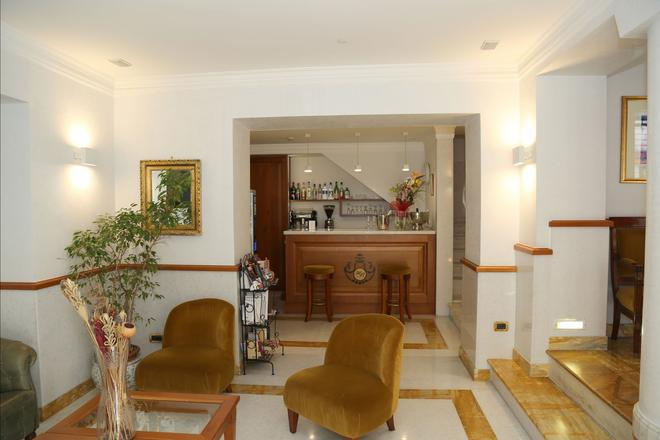 博罗梅奥酒店 - 罗马 - 柜台