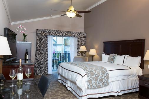 皇冠城堡酒店 - 索尔万 - 睡房