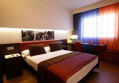 马德里艾尔大酒店 - 马德里 - 睡房