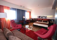 艾尔大酒店 - 马德里 - 睡房