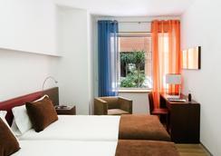 格兰维亚艾雅酒店 - 巴塞罗那 - 睡房