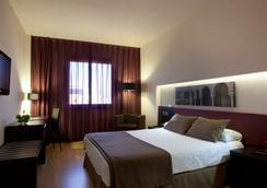 塞维利亚艾雅酒店 - 塞维利亚 - 睡房