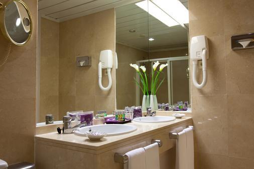 塞维利亚艾雅酒店 - 塞维利亚 - 浴室