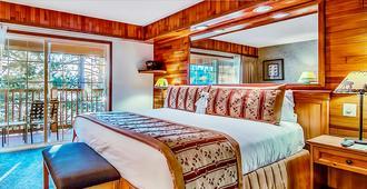 太浩湖畔滑雪酒店 - 南太浩湖 - 睡房