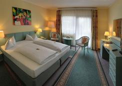 弗尔斯特豪斯酒店 - 柏林 - 睡房