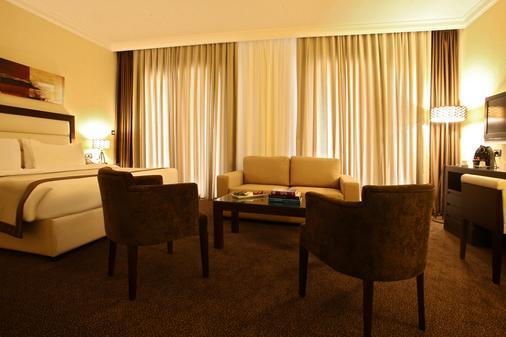 兰卡斯特劳切尔套房酒店 - 贝鲁特 - 客厅