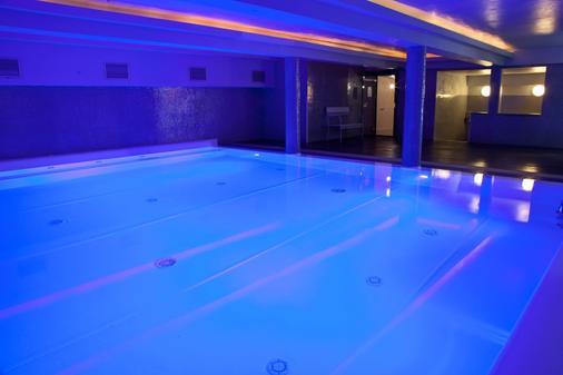 佛罗伦萨普鲁斯酒店 - 佛罗伦萨 - 游泳池