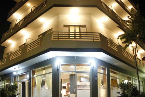 太阳假日酒店 - 拉克鲁斯 - 建筑