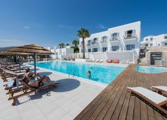帕罗斯湾酒店 - 帕罗奇亚 - 游泳池
