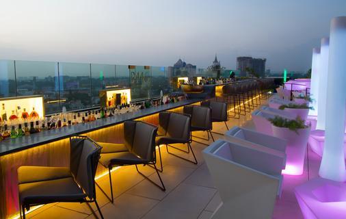 班加罗尔丽思卡尔顿酒店 - 班加罗尔 - 阳台