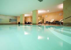 蒂门多弗施特兰高尔夫球场康体中心度假酒店 - 蒂门多弗施特兰德 - 游泳池