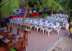 猎鹰海滩酒店 - 芭堤雅 - 餐馆