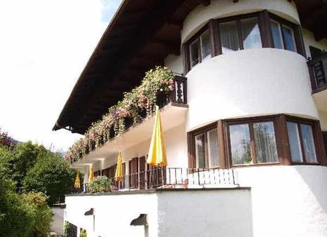塞茨伯格扎姆西酒店 - 巴特维塞 - 建筑