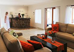 Hottentots Mountain View Guest House - Somerset West - 大厅