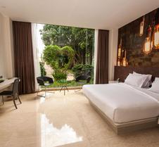 班达拉雅加达机场FM7度假村酒店