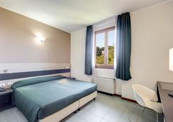 托雷莫拉阿尔巴酒店 - 罗马 - 睡房