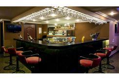 舍巴格会议中心酒店 - 蓬蒂切里 - 酒吧