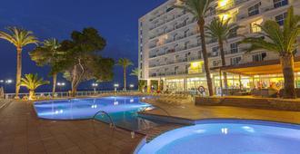 戈雷塔斯瑞尼斯水疗酒店 - 伊维萨镇 - 游泳池