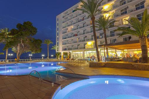瑟勒利斯戈利塔Spa酒店 - 伊维萨镇 - 游泳池