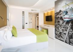 Sirenis Hotel Goleta & Spa - 伊维萨镇 - 睡房