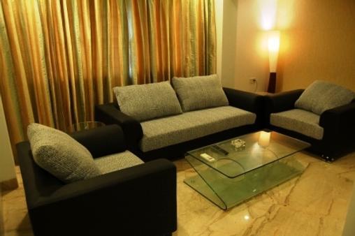 特权宾馆 - 孟买 - 客厅