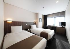 中心马克酒店 - 首尔 - 睡房