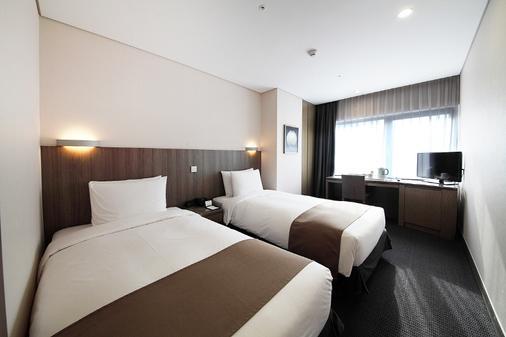 首尔中心马克酒店 - 首尔 - 睡房